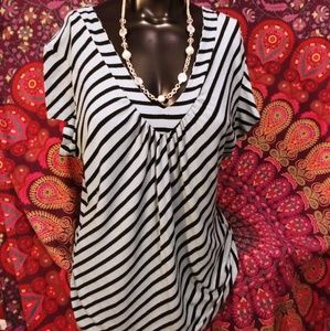 Maurices sexy top& matchin necklace n bracelet set